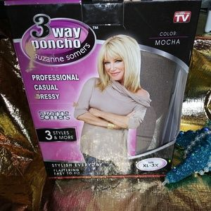 Suzanne Somers poncho